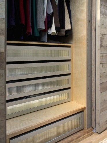 aluminum-and-glass-front-drawer-cabinet