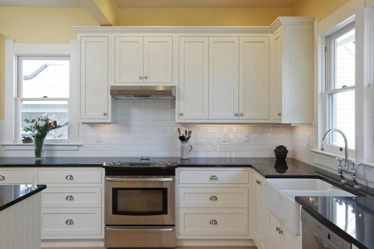 square-frame-shaker-cabinet