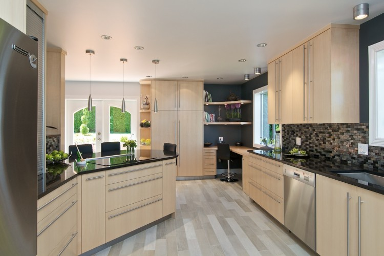 natural-maple-kitchen