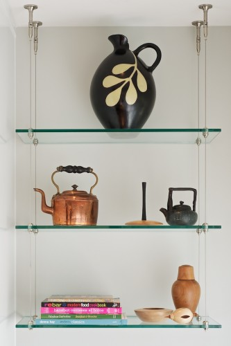 suspended-glass-shelving
